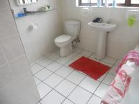 Main Bathroom - 9 square meters of property in George South