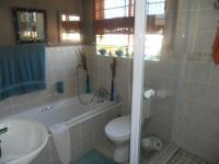 Main Bathroom of property in The Reeds
