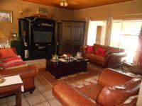Lounges - 47 square meters of property in Vanderbijlpark