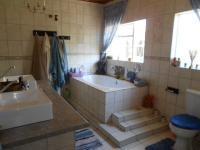 Main Bathroom - 12 square meters of property in Vanderbijlpark