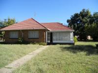 4 Bedroom 1 Bathroom in Vierfontein