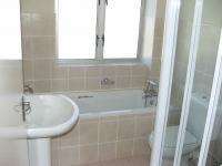 Bathroom 1 - 2 square meters of property in Somerset West