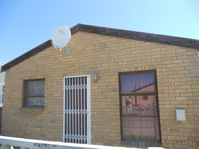 Standard Bank EasySell 3 Bedroom House For Sale in Mitchells Plain - MR086206