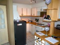 Kitchen - 8 square meters of property in Table View
