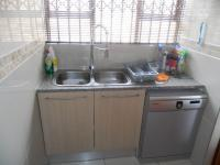 Kitchen - 20 square meters of property in Amandasig