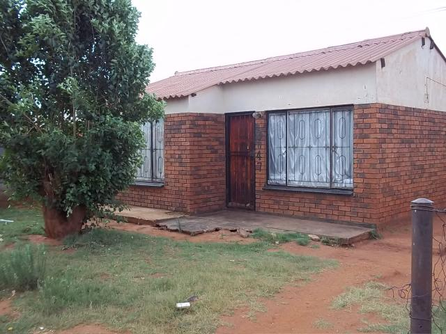 2 Bedroom House for Sale For Sale in Likole - Private Sale - MR086833