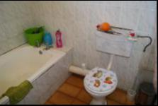 Main Bathroom - 62 square meters of property in Port Edward