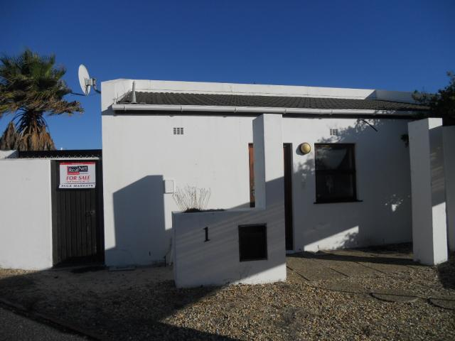 Standard Bank EasySell 2 Bedroom House For Sale in Marina da Gama - MR087036