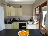 Kitchen - 8 square meters of property in Marina da Gama