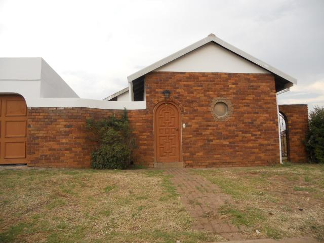 3 Bedroom House for Sale For Sale in Eersterust - Home Sell - MR087148