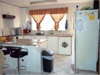 Kitchen - 64 square meters of property in Mindalore