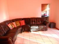 Lounges - 29 square meters of property in Bellville