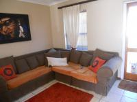 Lounges - 10 square meters of property in Parklands