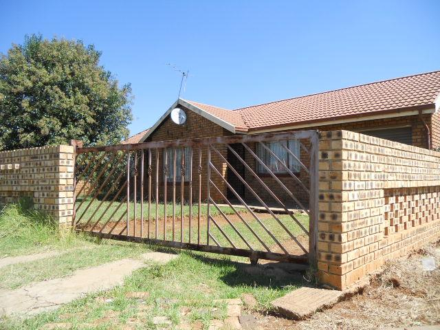Absa Bank Trust Property House for Sale For Sale in Sebokeng - MR087403