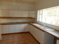 Kitchen - 28 square meters of property in Sunward park