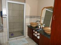 Main Bathroom - 8 square meters of property in Villieria