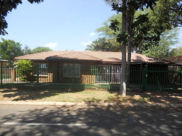 Standard Bank EasySell 4 Bedroom House for Sale For Sale in Theresapark - MR087599