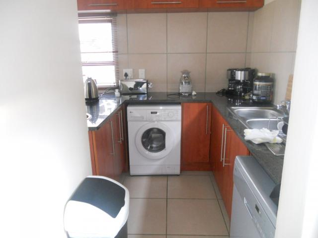 Kitchen - 20 square meters of property in Hartbeespoort