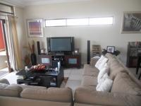 Lounges - 21 square meters of property in Hartbeespoort