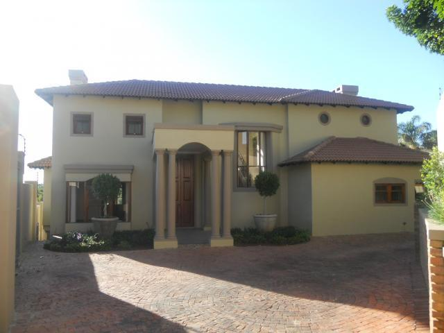 5 Bedroom House For Sale in Waterkloof Ridge - Home Sell - MR087726
