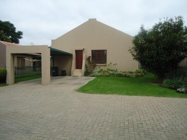 3 Bedroom Sectional Title For Sale in Halfway Gardens - Home Sell - MR087746