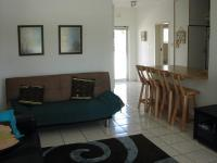 Lounges - 20 square meters of property in Winklespruit