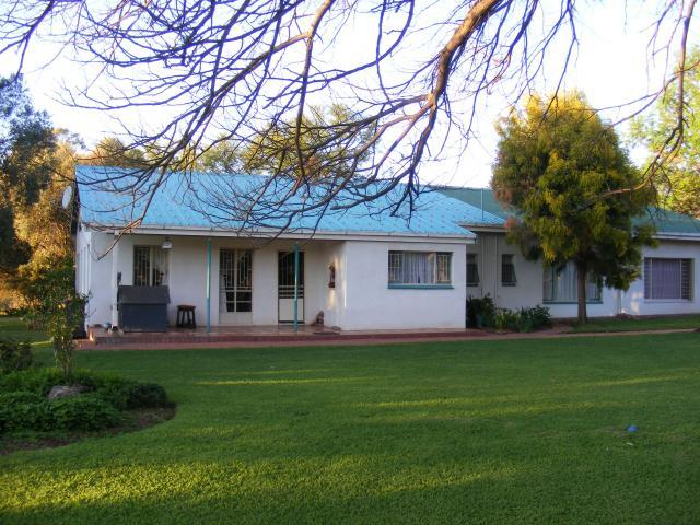 Smallholding For Sale in Hartbeespoort - Private Sale - MR087843