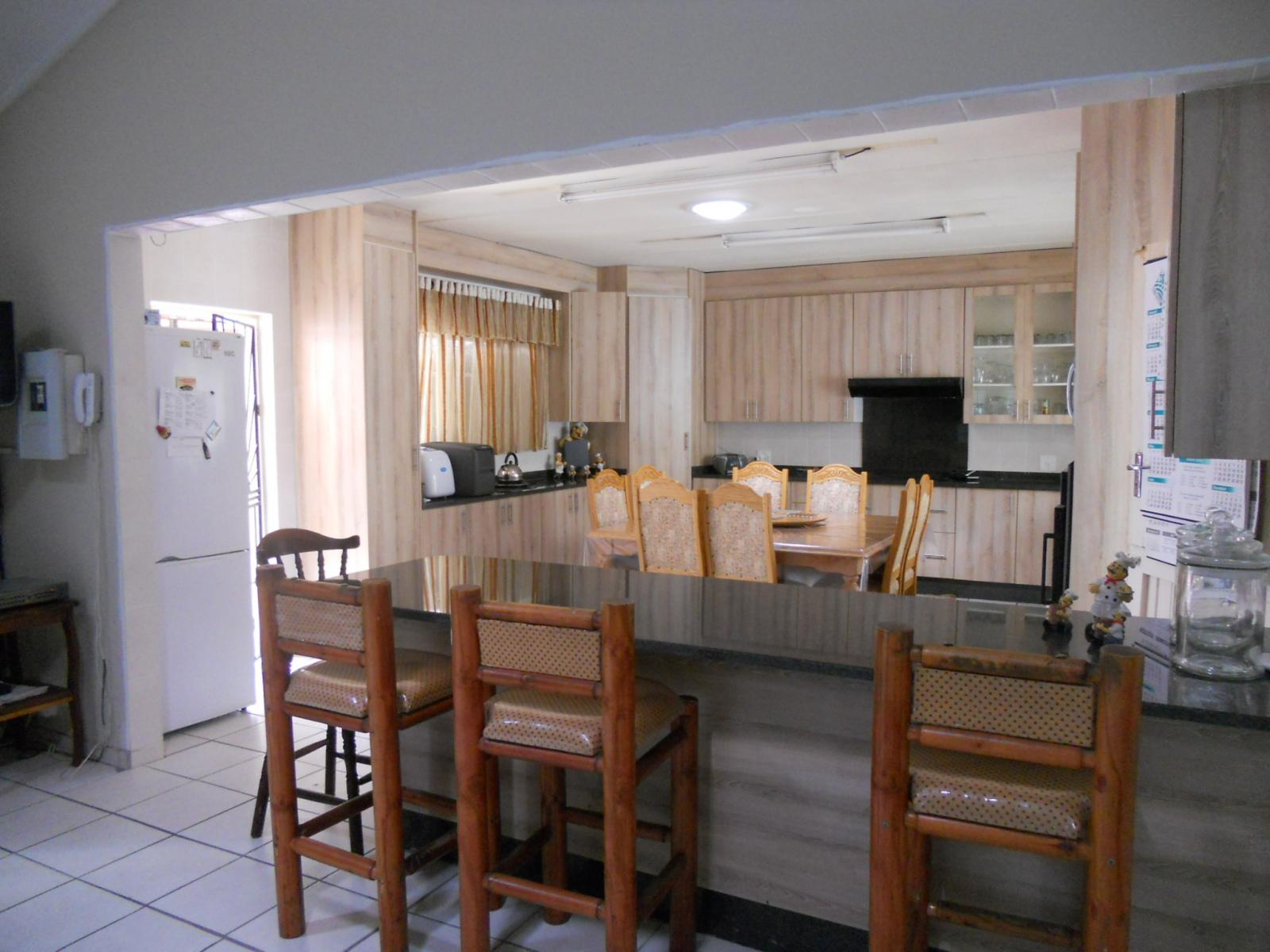 Dining Room - 25 square meters of property in Waverley