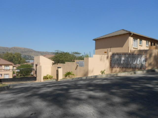 2 Bedroom Simplex for Sale For Sale in Wilgeheuwel  - Private Sale - MR087974