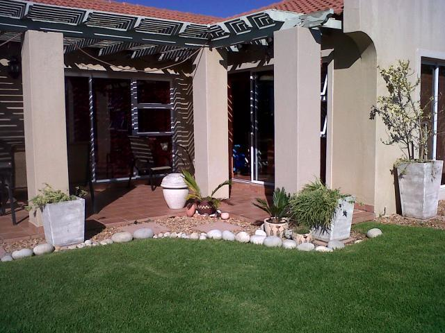 3 Bedroom House for Sale For Sale in St Francis Bay - Home Sell - MR087997