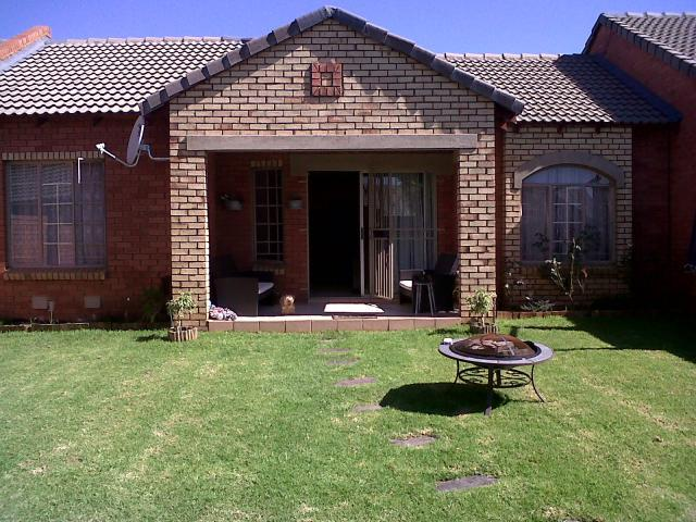 2 Bedroom House for Sale For Sale in Equestria - Private Sale - MR088121
