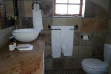 Bathroom 3+ - 14 square meters of property in Kleinmond