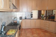 Kitchen - 20 square meters of property in Kleinmond