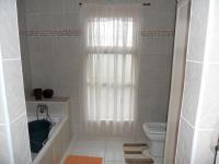 Bathroom 2 - 10 square meters of property in La Lucia