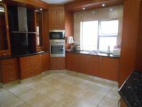 Kitchen - 32 square meters of property in Featherbrooke Estate