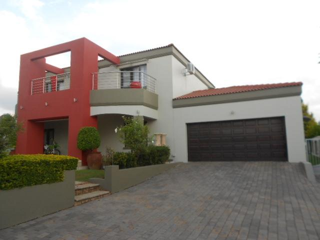 3 Bedroom House for Sale For Sale in Ruimsig - Private Sale - MR088232