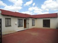 4 Bedroom 2 Bathroom in Protea Glen