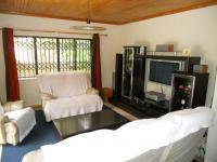 Lounges - 26 square meters of property in Plettenberg Bay