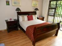 Main Bedroom - 17 square meters of property in Plettenberg Bay