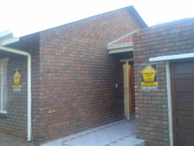 3 Bedroom House for Sale For Sale in Laudium - Home Sell - MR088299