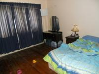 Main Bedroom - 16 square meters of property in Parow Central