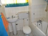 Main Bathroom - 3 square meters of property in Parow Central
