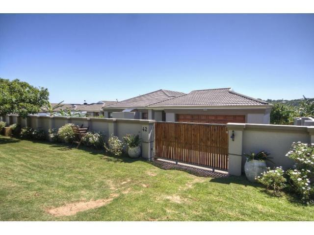 3 Bedroom House For Sale in Bushmans River - Private Sale - MR088340