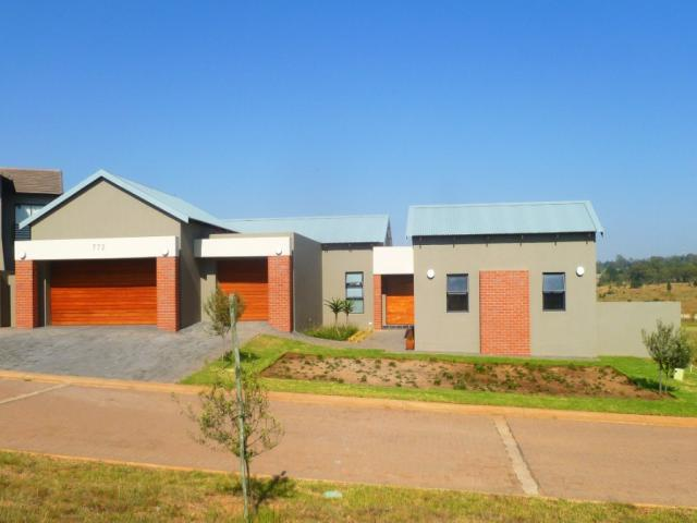 3 Bedroom House for Sale For Sale in Mnandi AH - Private Sale - MR088450