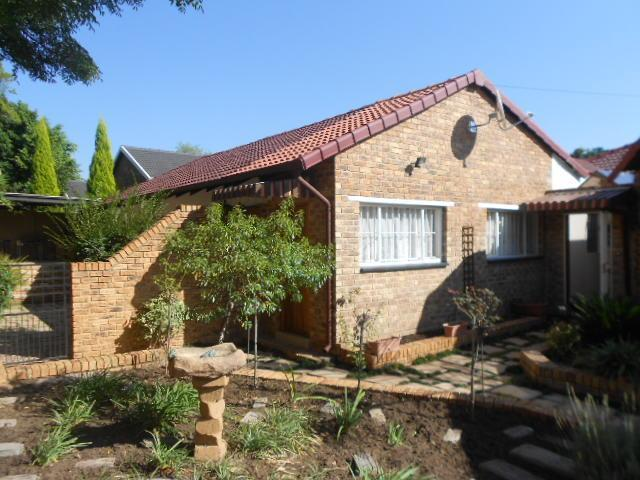 5 Bedroom House for Sale For Sale in Weltevreden Park - Home Sell - MR088457
