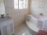 Main Bathroom - 8 square meters of property in Alberton