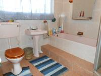 Main Bathroom - 6 square meters of property in Lydenburg