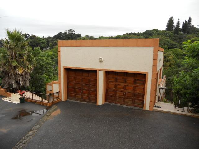 4 Bedroom House for Sale For Sale in Umtentweni - Home Sell - MR088547