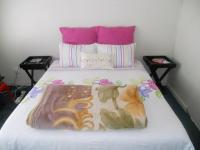 Main Bedroom - 15 square meters of property in Faerie Glen