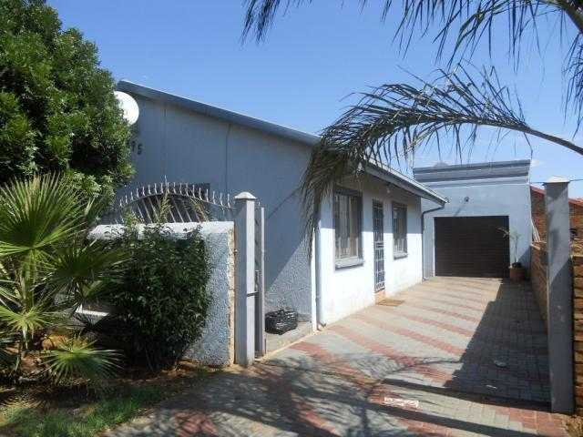 3 Bedroom House for Sale For Sale in Mamelodi - Home Sell - MR088575